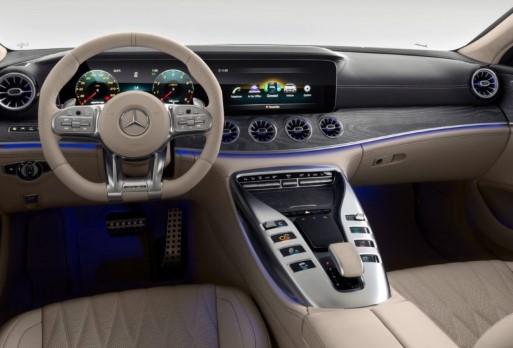 Топовые версии Mercedes-AMG GT 4-door Coupé с V8 поступили в продажу 3