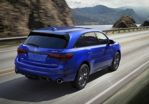 Acura улучшила семиместный кроссовер MDX 2