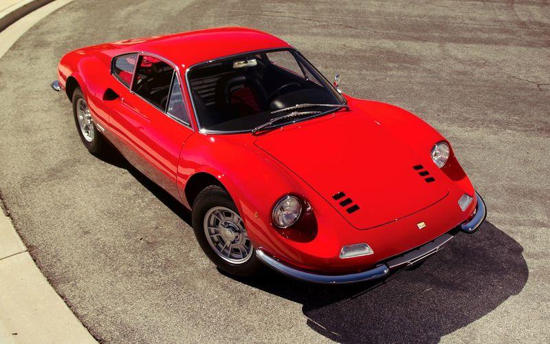 Ferrari «пугает» фанатов 4-цилиндровым двигателем 2