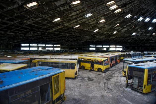 Украинцам показали «кладбище» общественного транспорта 2
