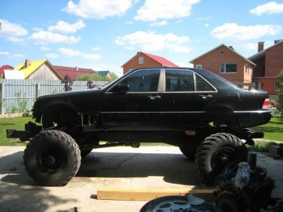 Умельцы скрестили Mercedes S500 с ГАЗ-66 1