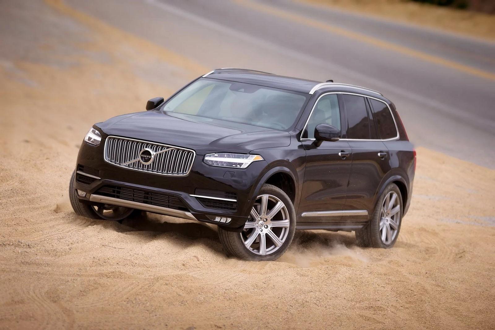 Новый Volvo XC90 откажется от дизельного мотора 1