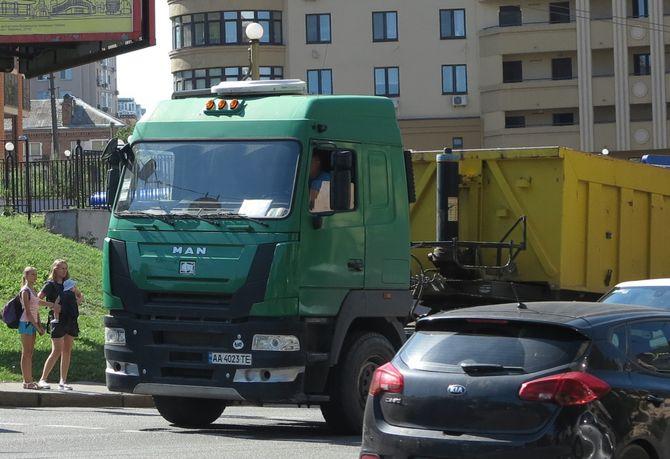 В Украине заметили очень редкий белорусский грузовик 1