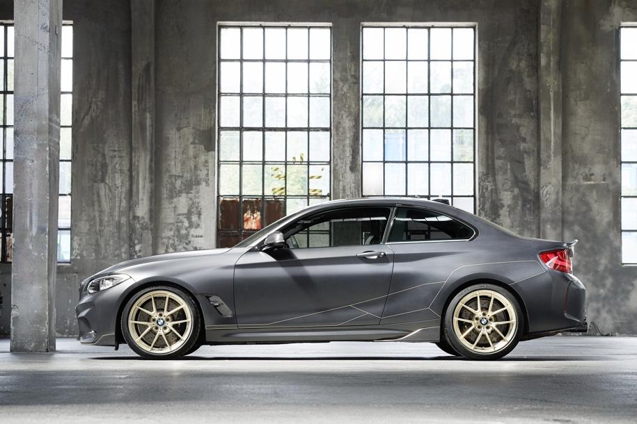BMW превратила набор запчастей M Performance в сверхлегкое купе M2 2