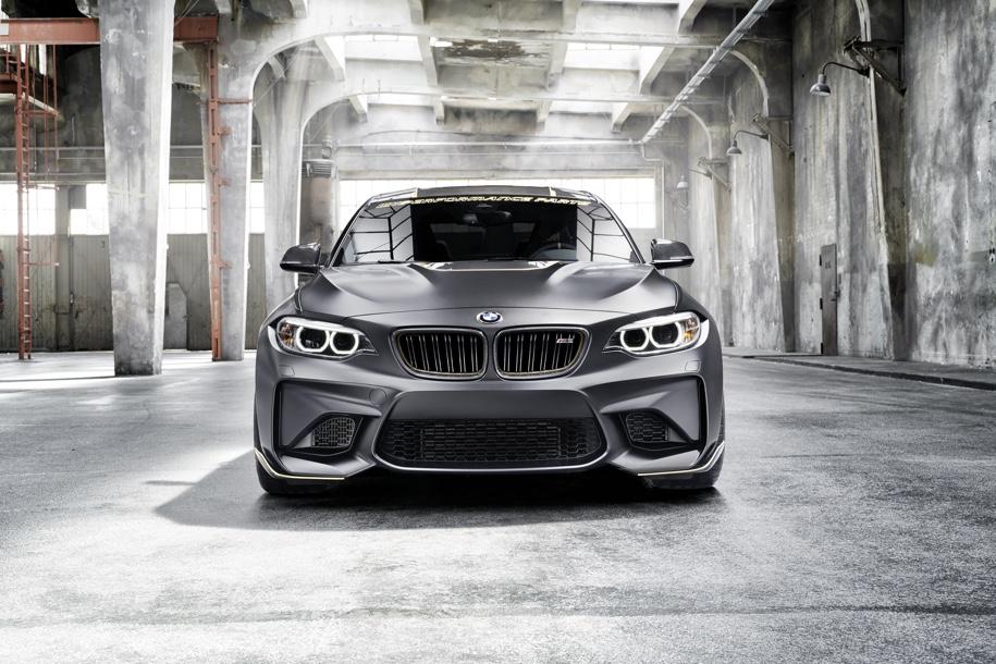 BMW превратила набор запчастей M Performance в сверхлегкое купе M2 1