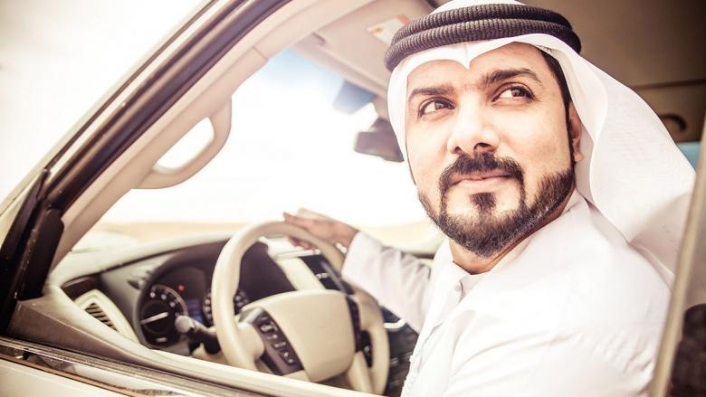 В ОАЭ водителей будут штрафовать за любопытство 1