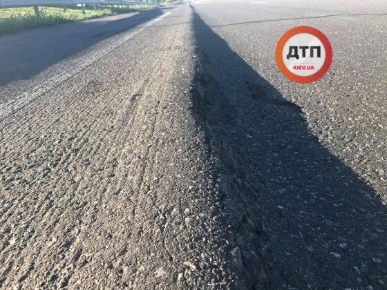 Украинских водителей шокировало состояние трассы Киев – Одесса 1