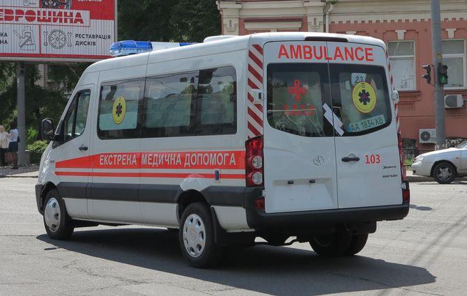 Украина получила китайские автомобили экстренной медицинской помощи 2