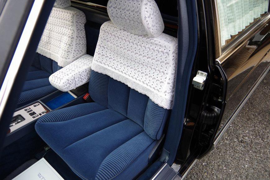 Классический лимузин Mercedes-Benz из Японии впечатлил своим интерьером 3