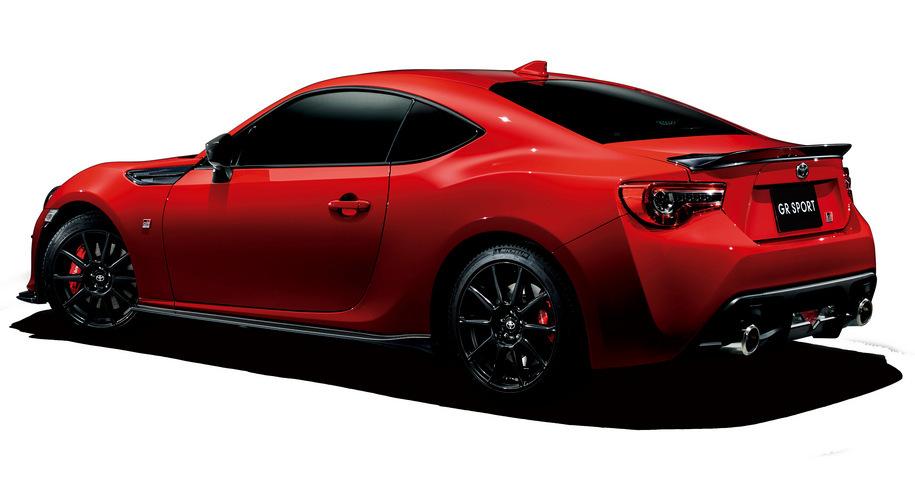 Toyota подготовила для купе GT86 «скромный» тюнинг 1
