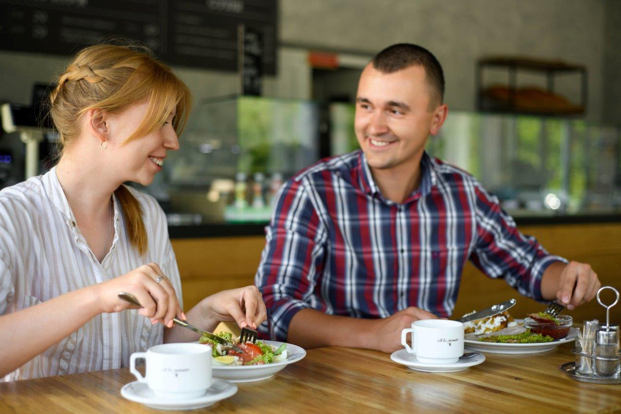 Сеть ОККО обновила 7 ресторанов А la minute в формат «мясо и хлеб» 2