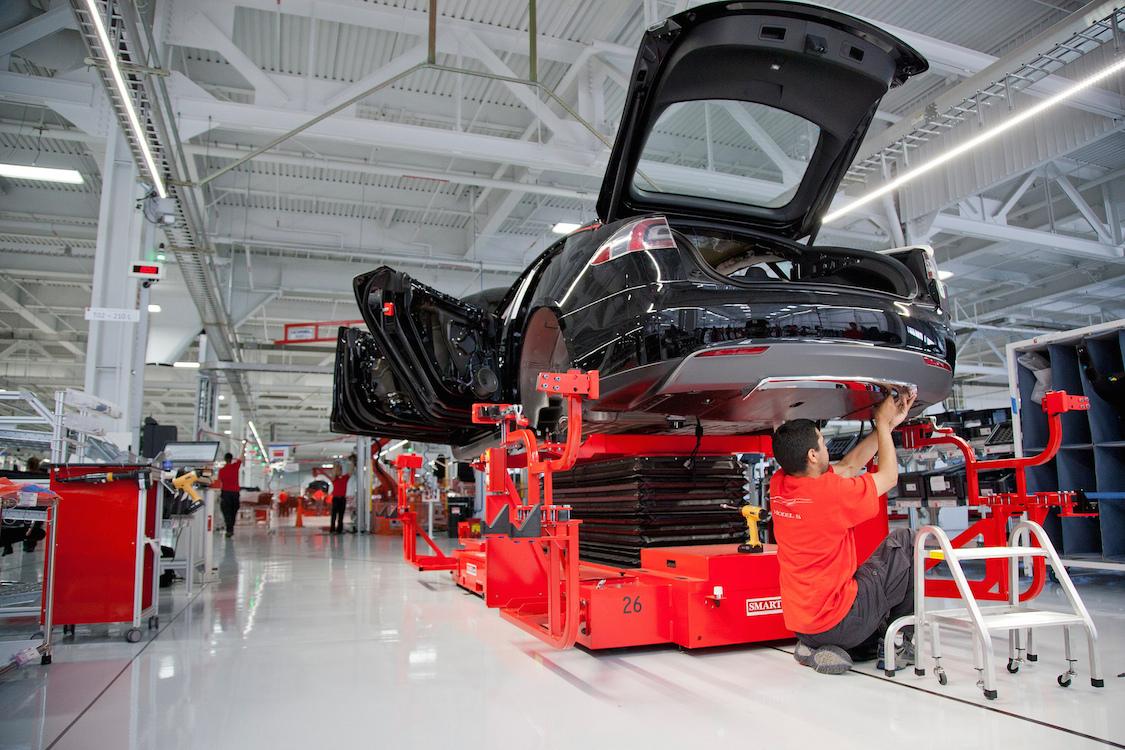 Tesla «разогнала» конвейер, уменьшив число точек сварки 1