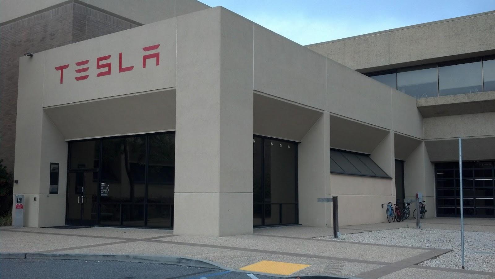 Главный инженер Tesla покинул компанию 1