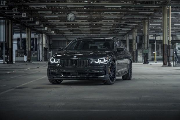 Компания BMW выпустила уникальный седан 1