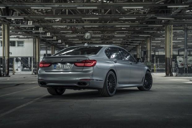 Компания BMW выпустила уникальный седан 4
