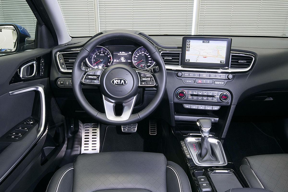 «Шаг вперед»: тест-драйв Kia Ceed нового поколения 3