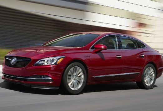 Buick представил обновленный седан LaCrosse 1