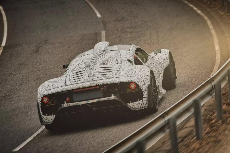 Супергибрид Mercedes-AMG Project One приблизили к серии 1