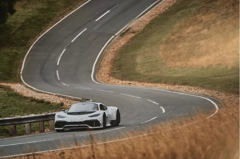 Супергибрид Mercedes-AMG Project One приблизили к серии 2
