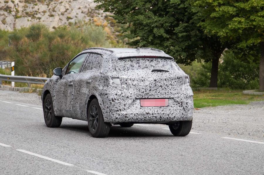 Renault тестирует Captur нового поколения 2