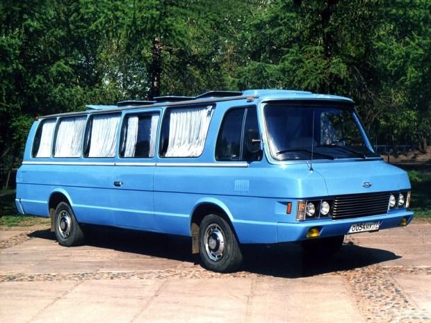 В Украине показали редчайший автобус ЗИЛ-118 Юность 1