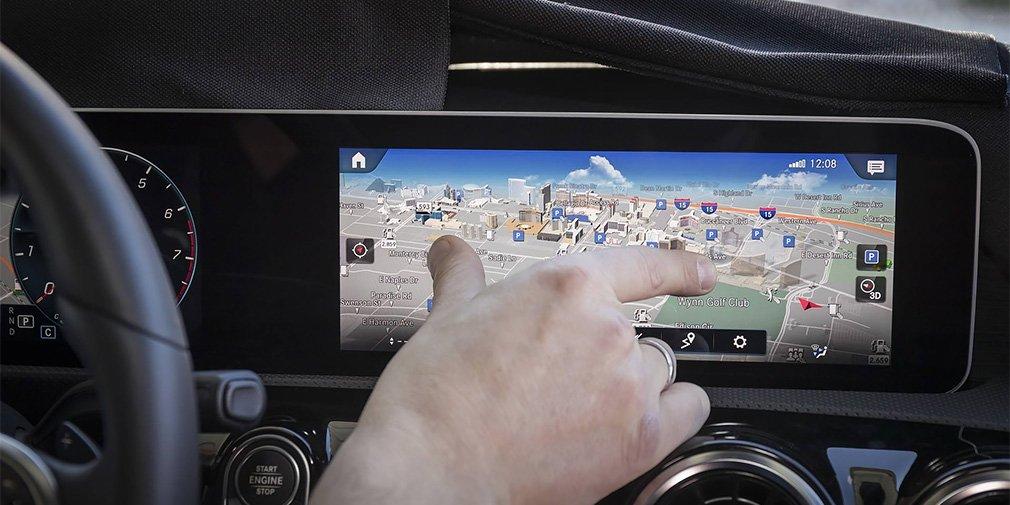 Автомобили Mercedes научатся избегать парковки в криминальных районах 1
