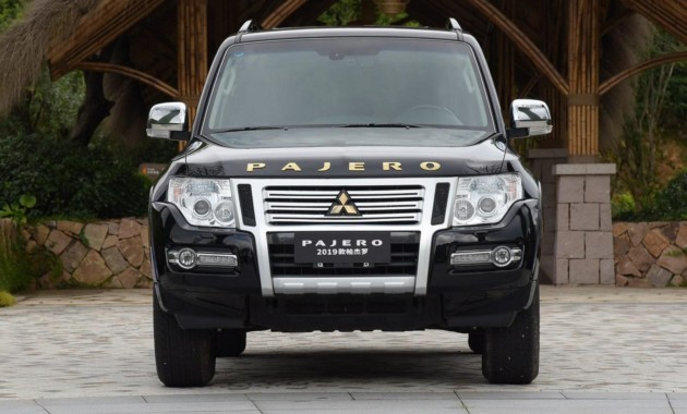 Стартовали продажи слегка обновленного Mitsubishi Pajero 1