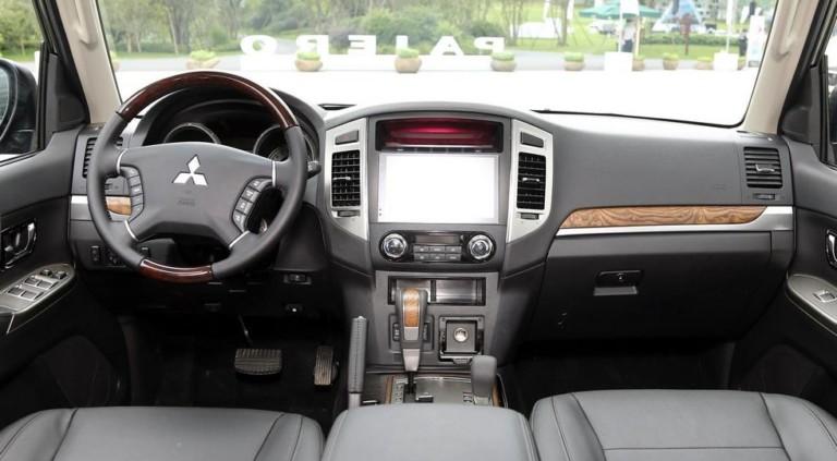 Стартовали продажи слегка обновленного Mitsubishi Pajero 2