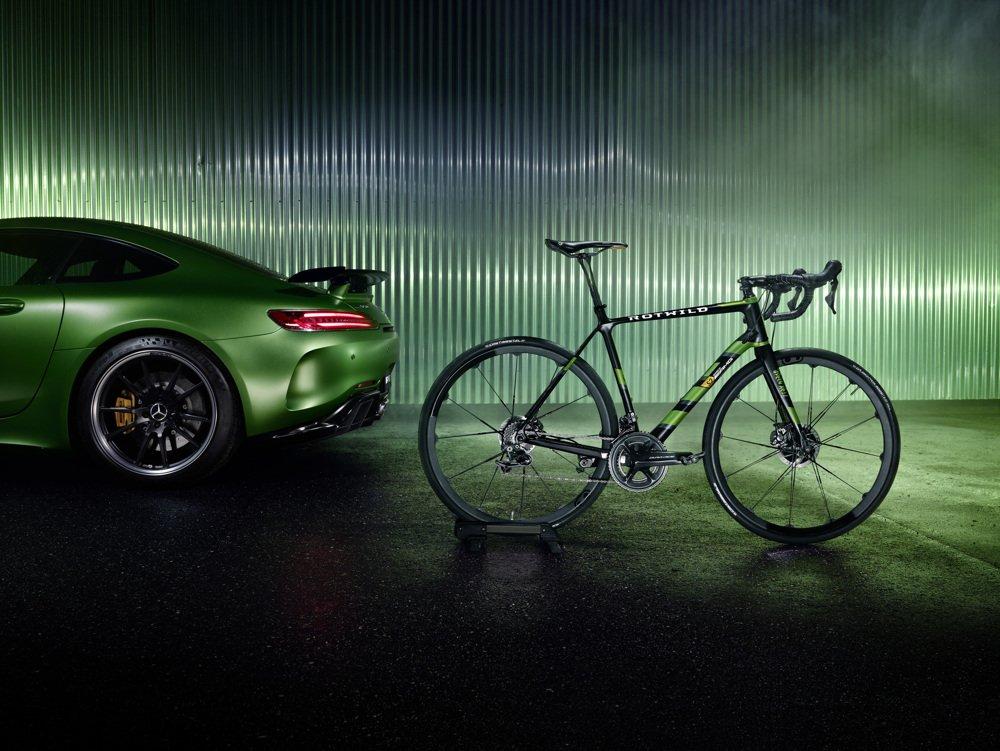 Mercedes-AMG представил карбоновый велосипед 2