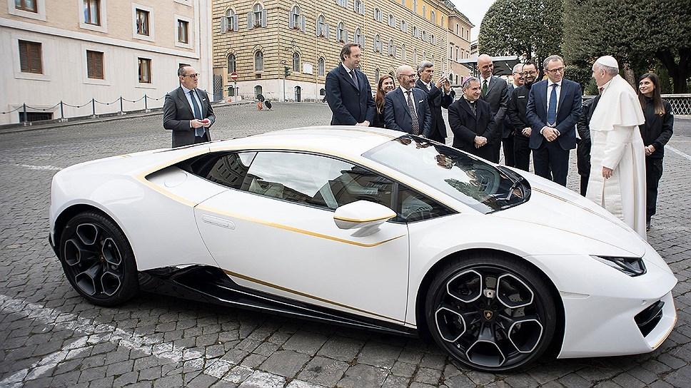 Папа Римский продаст свой Lamborghini 1