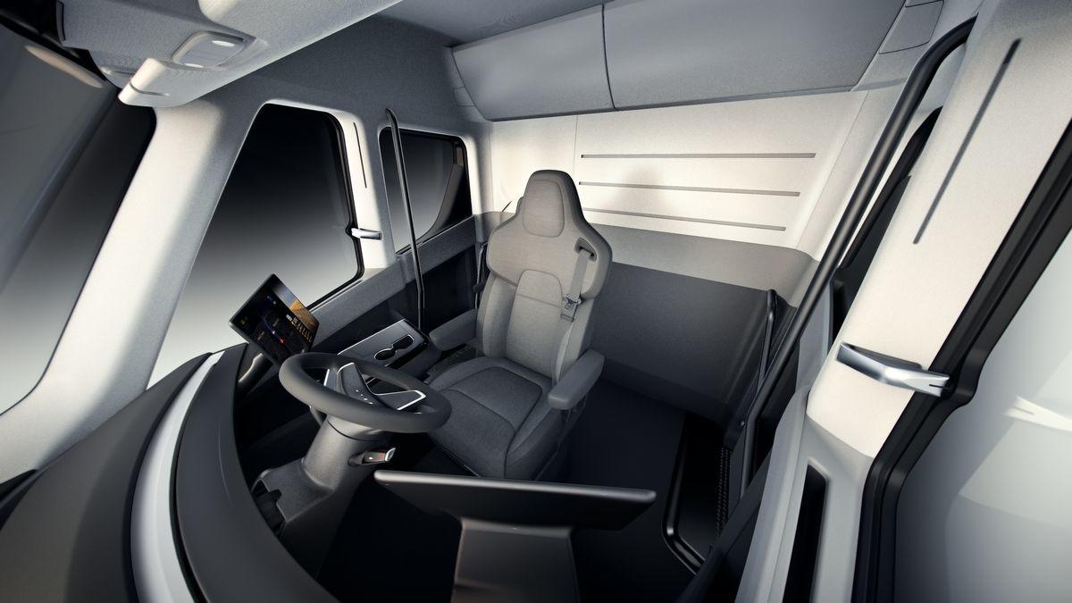 Tesla официально представила свой долгожданный грузовик 2