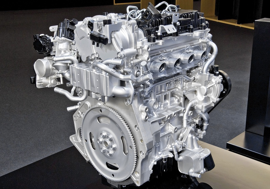 Mazda будет выпускать бензиновые автомобили, которые экологичнее электрокаров 1