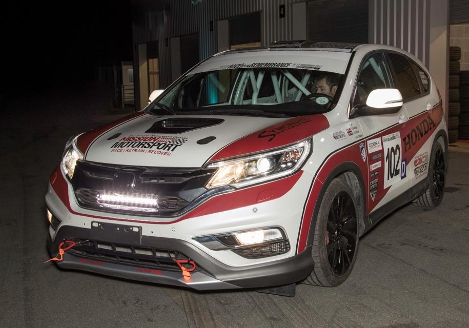 Кроссовер Honda CR-V приспособили для гонщиков-инвалидов 1