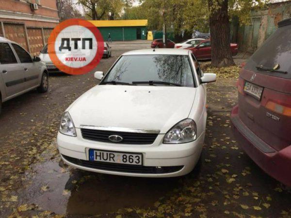 Lada Priora с литовскими номерами вызвала массу недоумения 1