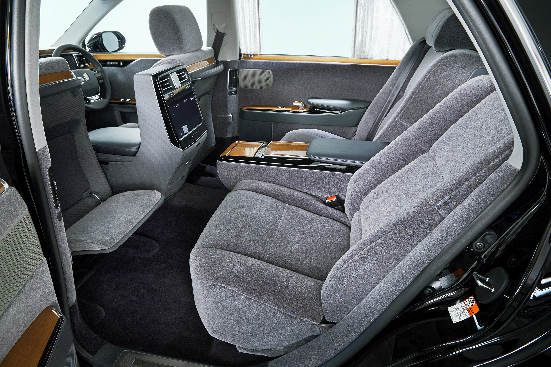 Toyota презентовала «мечту депутатов» 3