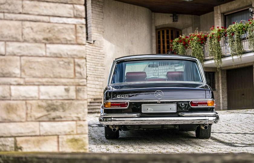 «Как у Мао Дзедуна»: роскошный лимузин Mercedes-Benz 600 Pullman пустят с молотка 3
