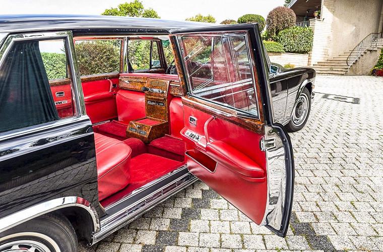 «Как у Мао Дзедуна»: роскошный лимузин Mercedes-Benz 600 Pullman пустят с молотка 4