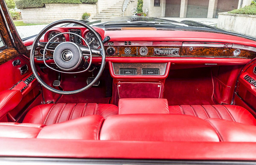 «Как у Мао Дзедуна»: роскошный лимузин Mercedes-Benz 600 Pullman пустят с молотка 5