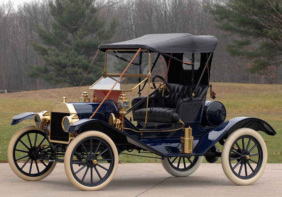 Глава Tesla признался, что у него есть машины с ДВС 1