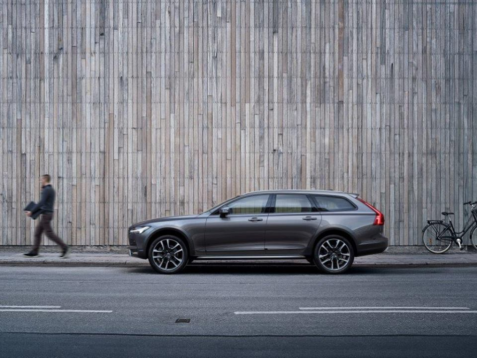 «Хранитель традиций»: тест-драйв Volvo V90 Cross Country 2