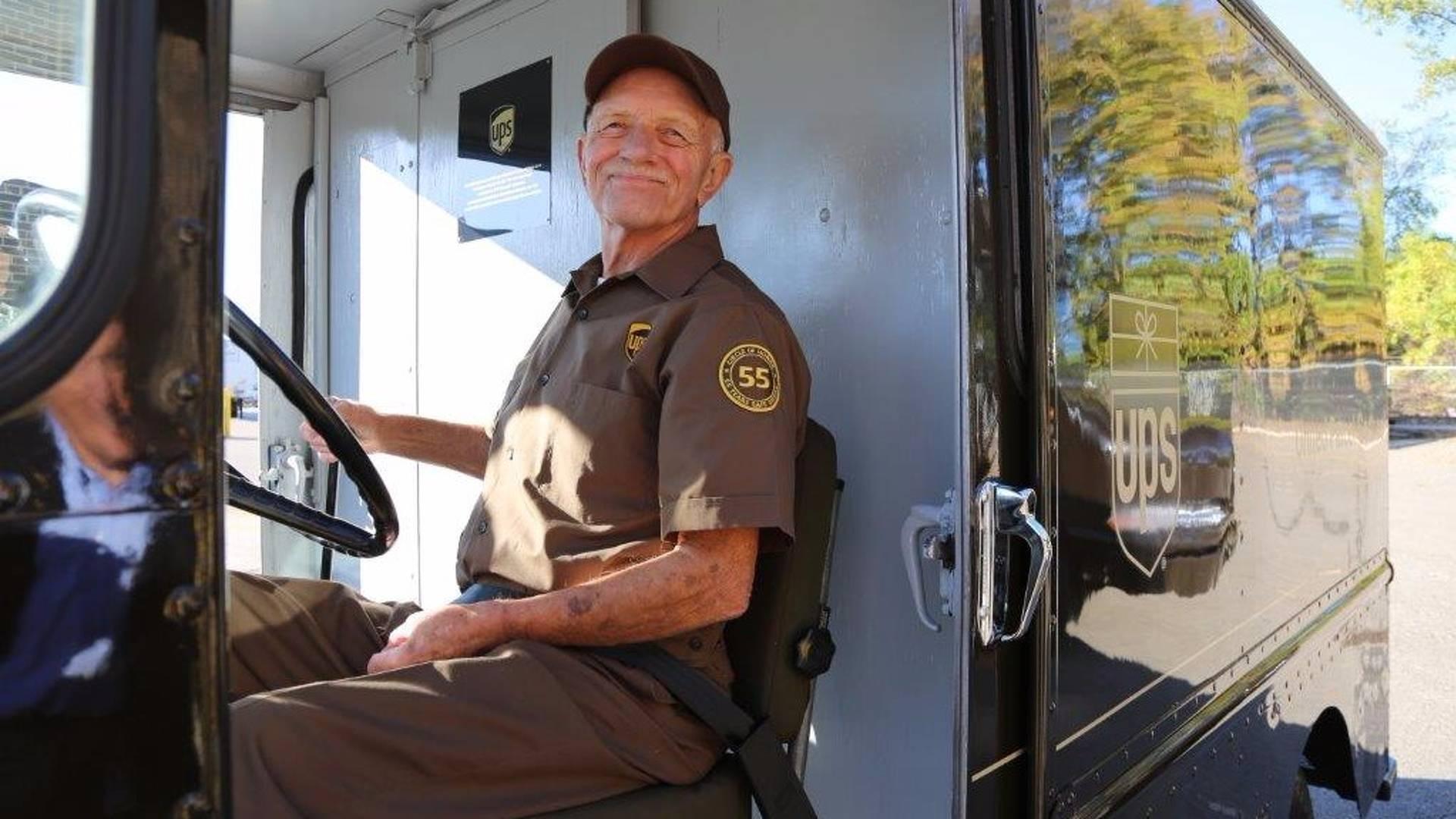 Водитель с 55-летним стажем ни разу за жизнь не попадал в ДТП 1