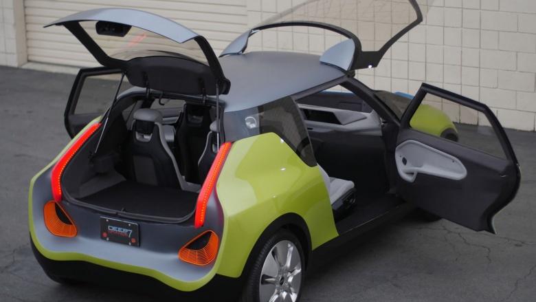 Mini представил автомобиль с двумя багажниками 1