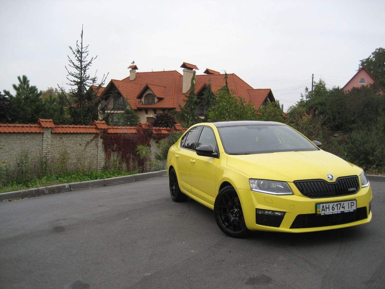 «Агрессивная, но милая»: тест-драйв Skoda Octavia RS 1