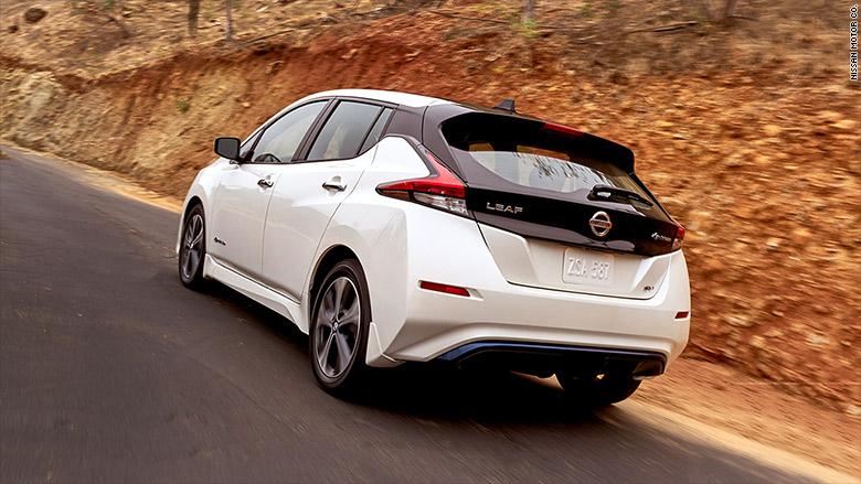 Новый Nissan Leaf пользуется бешеной популярностью 2