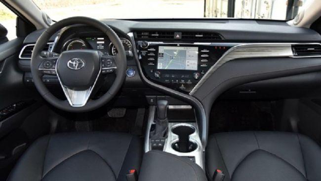 Новая Toyota Camry выходит на рынок 2