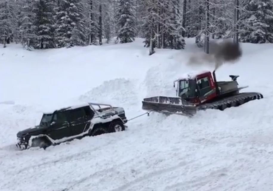Самый проходимый «Гелендваген» застрял в снегу 1