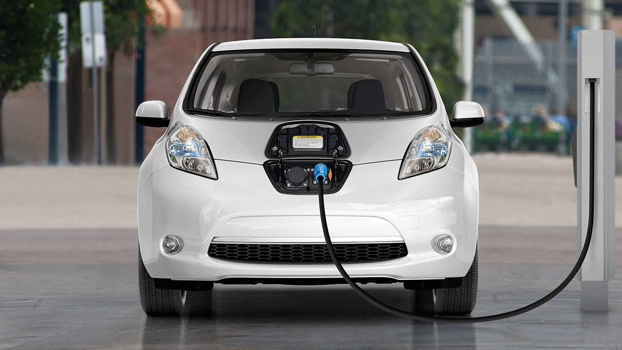 Украинцы массово пересаживаются на подержанные электромобили 1