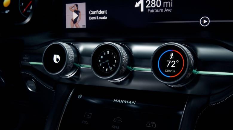 Harman/Samsung представили огромный дисплей для приборной панели 3