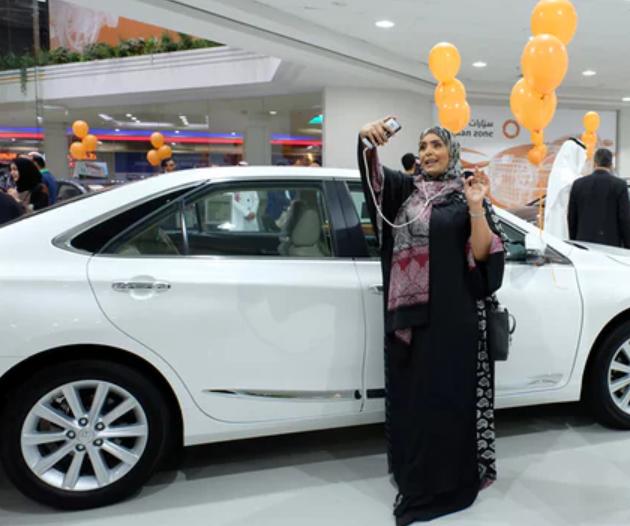 Открылся первый автосалон только для женщин 1