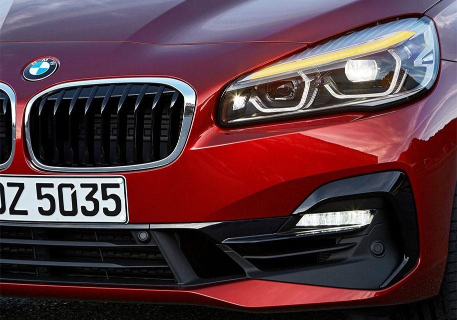 Первый переднеприводный BMW получил роботизированную трансмиссию 5